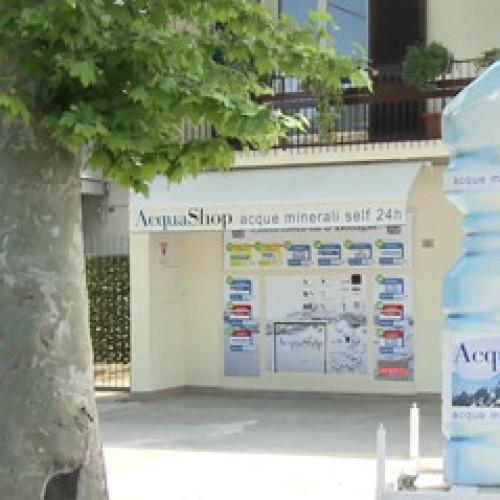 AcquaShop, il distributore automatico di blister d'acqua (Video)