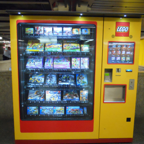 C'è LEGO Vending Machine e LEGO Vending Machine (Video)