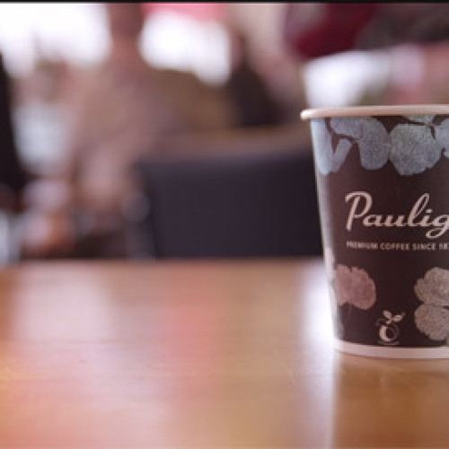 Finlandia. La tazza di caffè ti collega al web