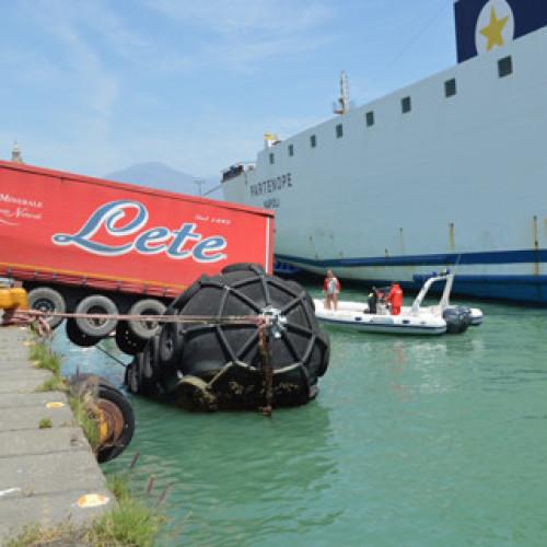 40 tonnellate di Acqua Lete rischiano di cadere in mare