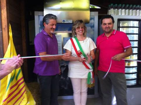 inaugurazione-distributore-formaggio-aulla-8-8-14.jpeg