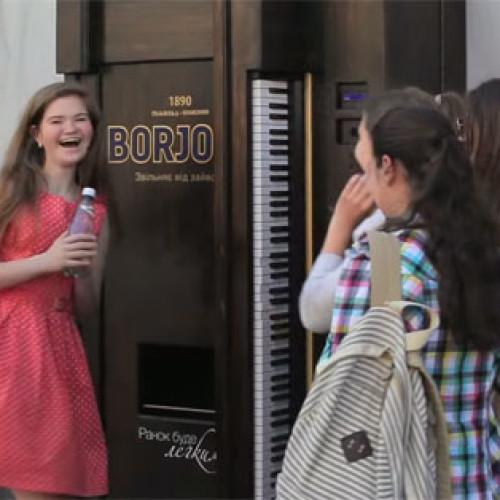 La Borjomi Vending Machine premia i virtuosi del piano