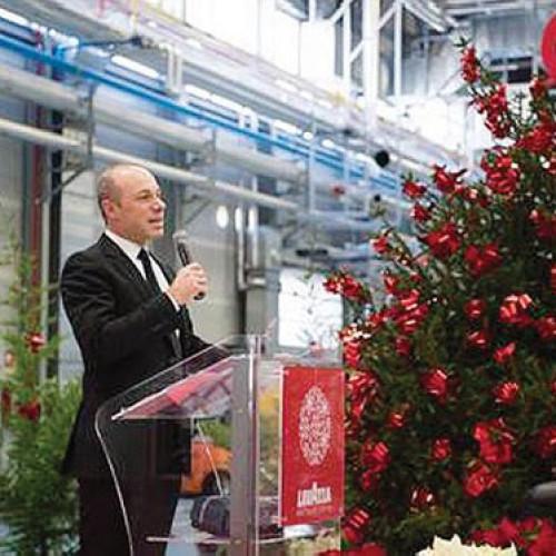 Giuseppe Lavazza porta gli auguri di Natale a Gattinara