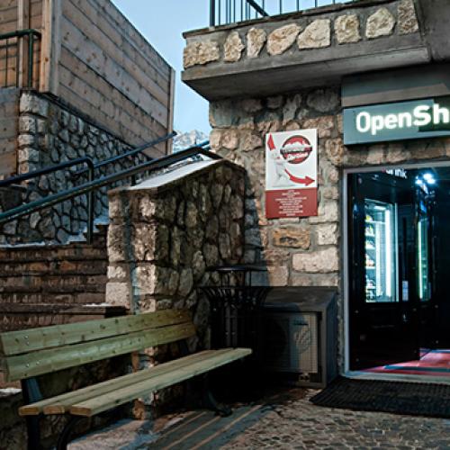Lo Shop 24 di Cortina chiude per mancanza di… posti auto