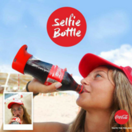 Coca-Cola lancia la Selfie Bottle