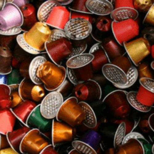 Capsule compatibili in alluminio: JDE sta sfidando Nespresso?