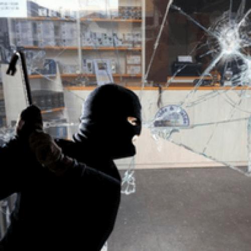 """Il negozio """"Cialde e Cialde"""" di Prato nel mirino dei ladri"""