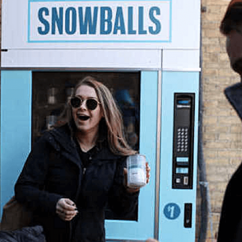 Palle di neve nella vending machine, Space150 lo fa per beneficenza