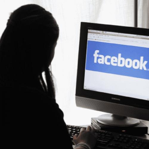 Diffamare l'azienda con un post su Facebook giustifica il licenziamento
