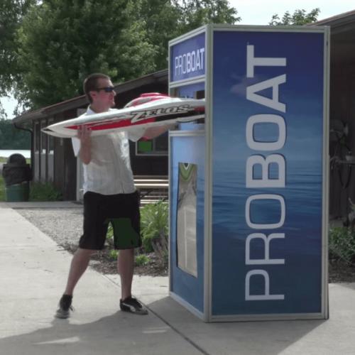 Distributori automatici di motoscafi, ma solo radiocomandati grazie a Pro Boat