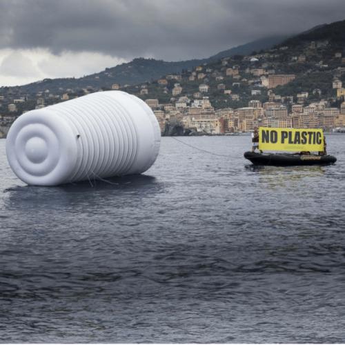 L'UE bandisce bicchieri e palettine di plastica. La posizione dell'EVA