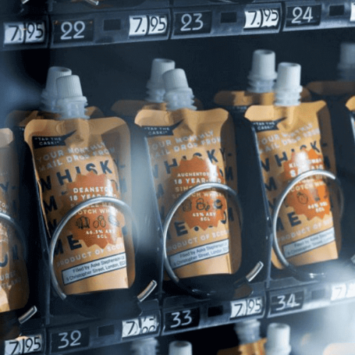 A Londra il whisky to go dalla vending machine