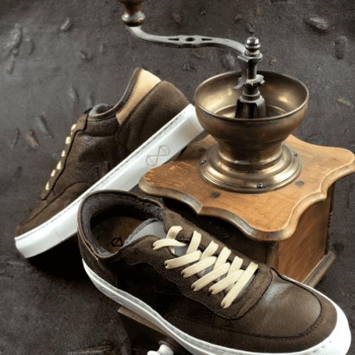 Le sneakers sostenibili dal riciclo di bottiglie di plastica e caffè
