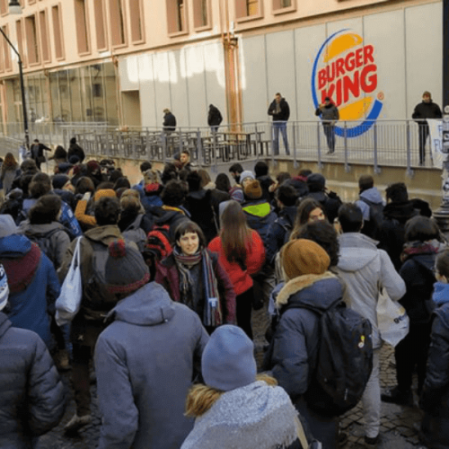 Università di Torino. Vending salutare vs. Burger King