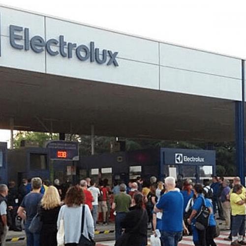 Operai della Electrolux in sciopero per i disservizi alle macchinette