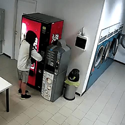 7 furti in 26 giorni. La rabbia e la paura dei gestori
