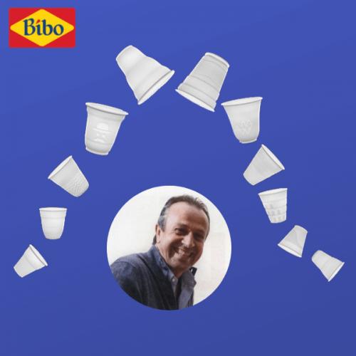 In un'intervista al Corriere Paolo Di Santo, ad di Bibo Italia, difende la plastica